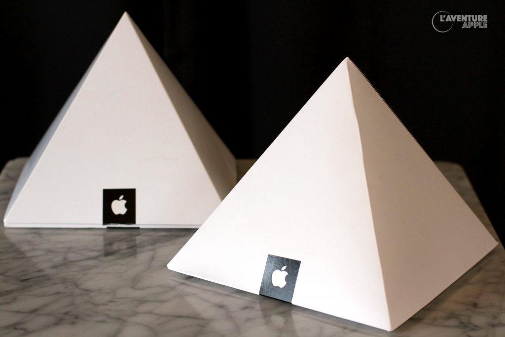 La pyramide du T-Shirt Apple Store, Carrousel du Louvre 7 novembre 2009