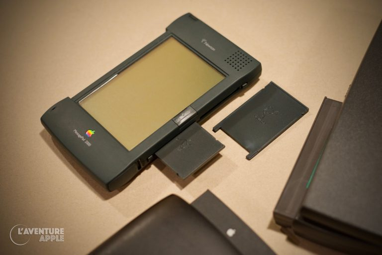 Apple MessagePad Newton fake PCMCIA card
