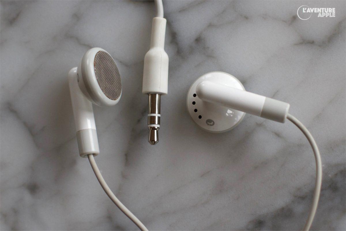 La seconde génération d'écouteurs d'iPod