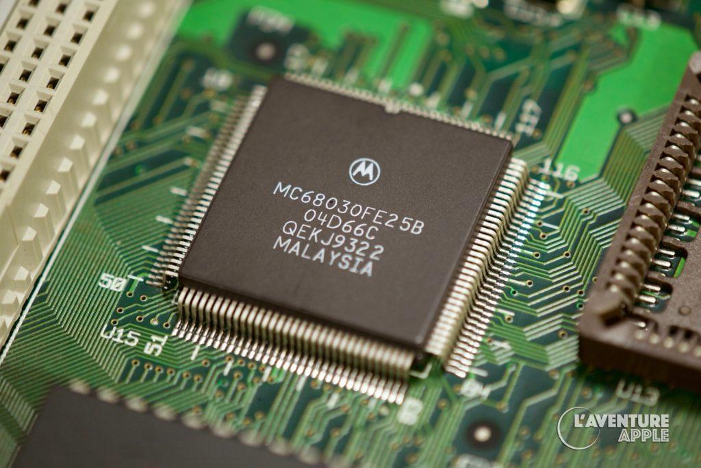 Motorola 68030 dans un Macintosh LC III d'Apple