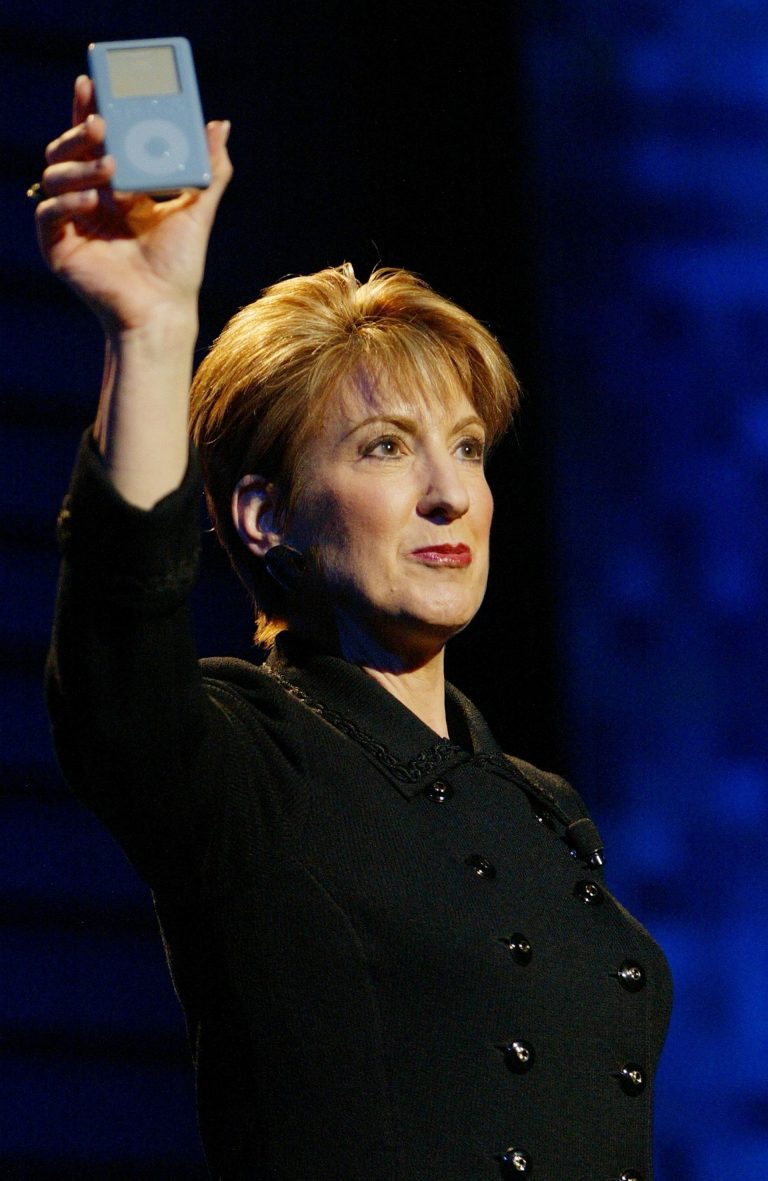 Carly Fiorina, iPod HP Apple