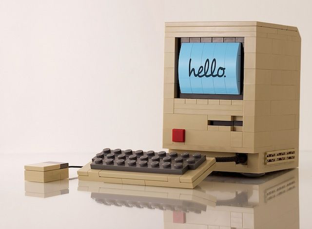 Apple Macintosh in Lego