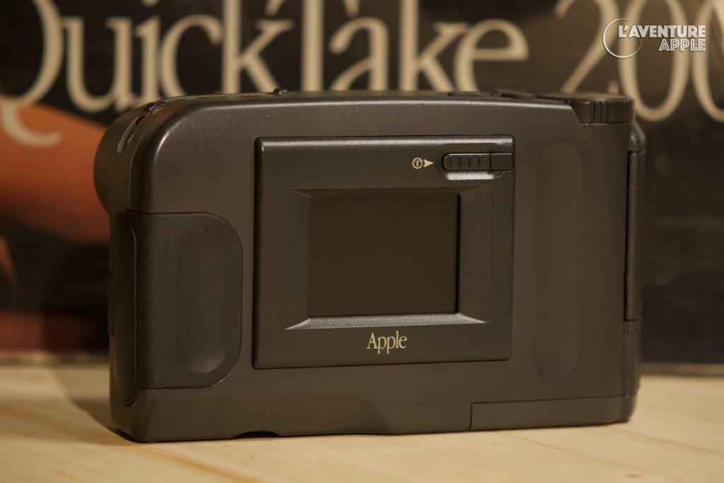 Apple QuickTake 200 rear with box