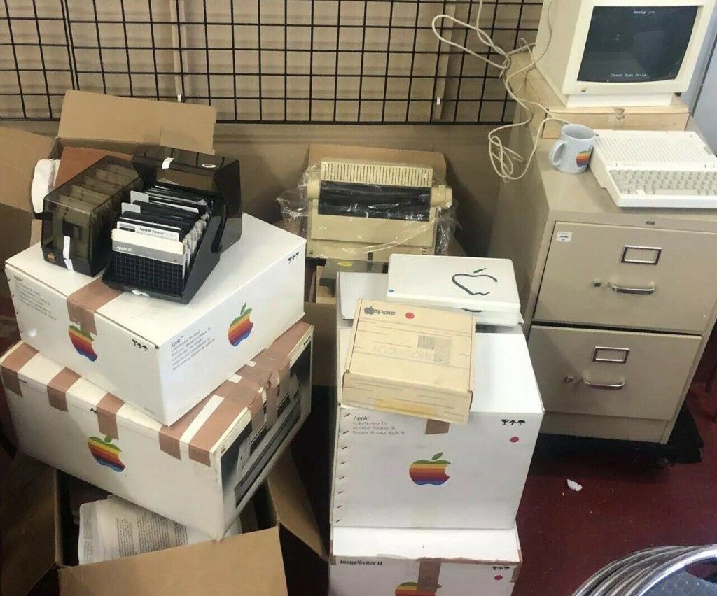 Archives Nancy Hecht Apple Claris sur eBay