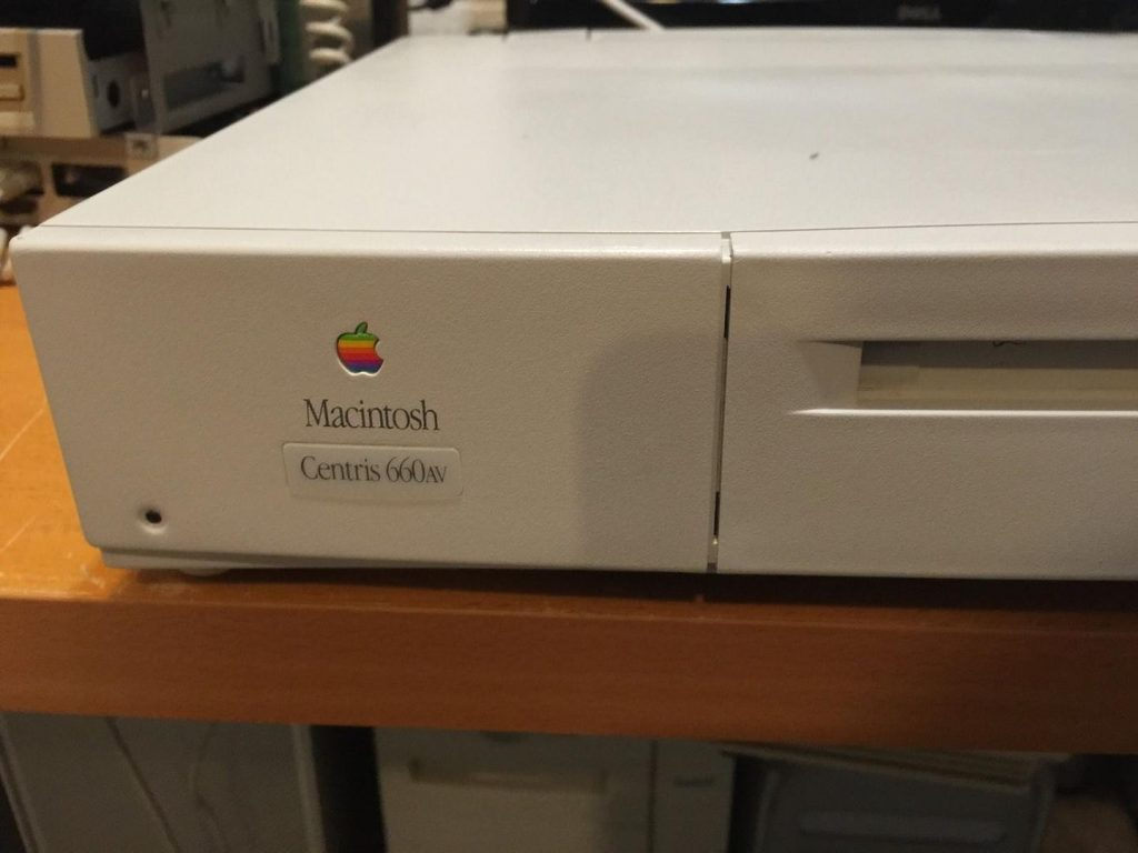 Apple Macintosh Centris 660AV