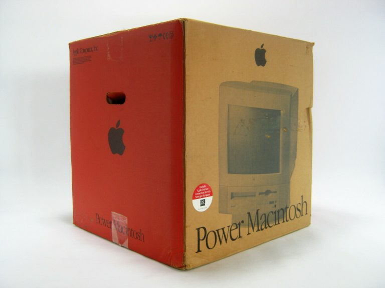 Power Macintosh 5260 in box