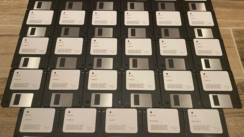Mac OS 8 on floppies