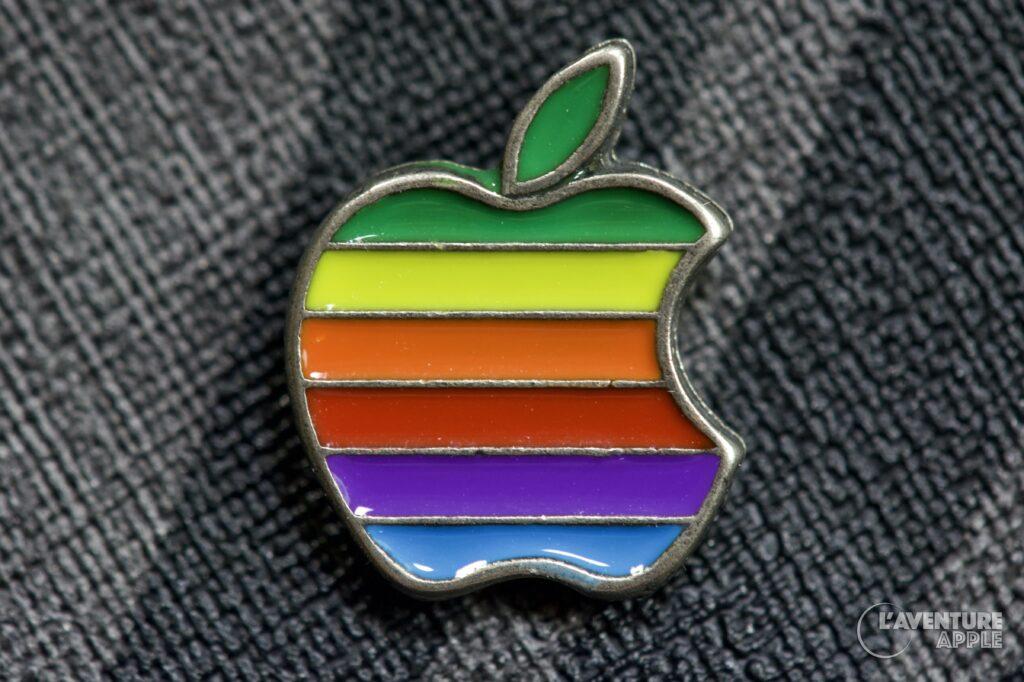 Apple pin's rainbow arc-en-ciel